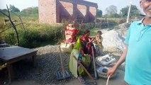 कानपुरः लॉकडाउन का मजाक उड़ा रहा  पीडब्ल्यूडी विभाग