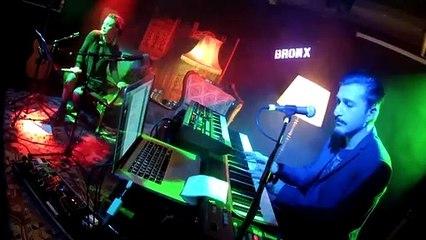 Doğan Duru & Fatma Turgut - Love Song (Akustik Performans)   Bronx Konseri
