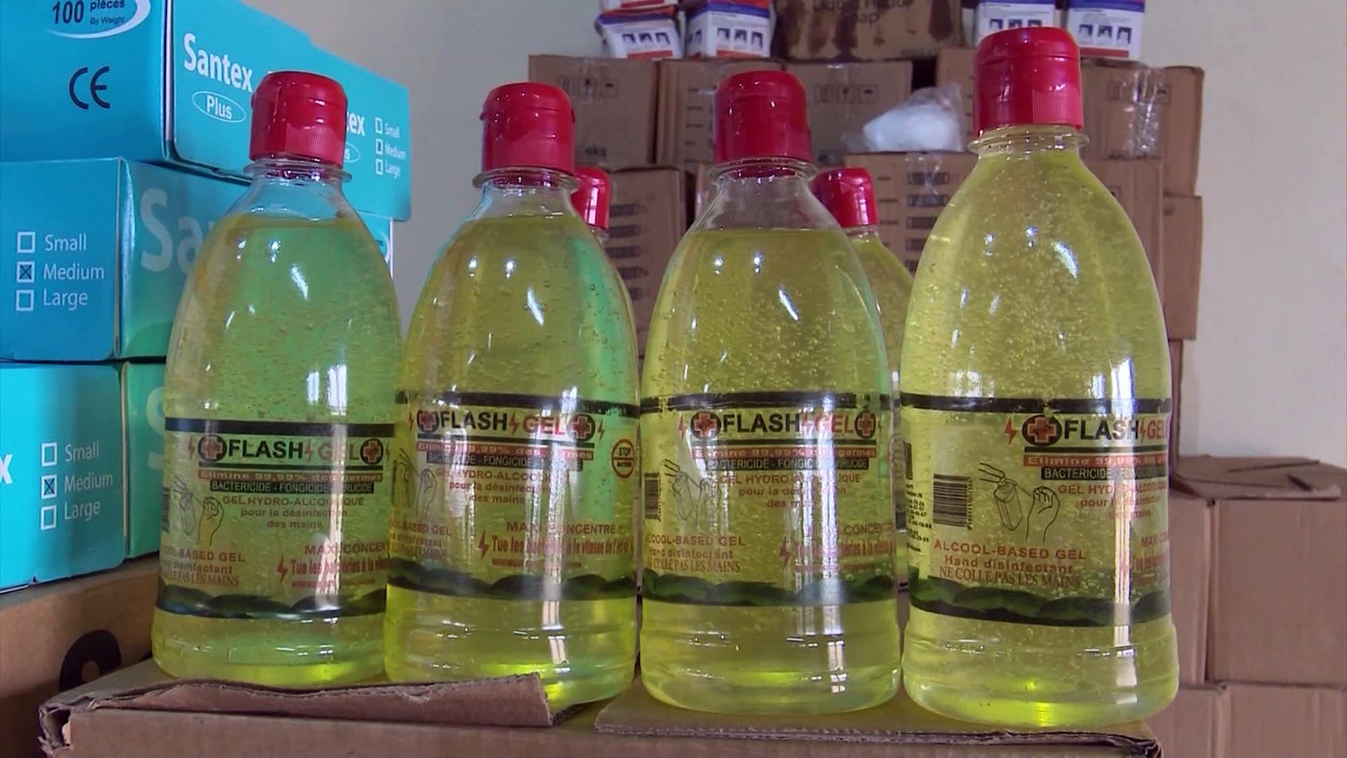 Coronavirus :  Mariatou Koné, Ministre de la Solidarité  distribue 10 000 kits de prévention aux populations