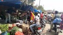 शामली: लॉकडाउन की सूचना से बाजारों में उमड़ी भीड़