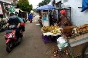Aktifitas di Pasar Reni Jaya Pukul 09.05, 25 Maret 2020