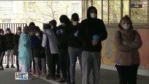 VIRUS - Reportage à Marseille où des dizaines de personnes se pressent pour être testées gratuitement à l'initiative du Professeur Raoult