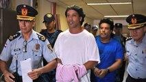 Ronaldinho đi tù: Vì sao lại vấp ngã?