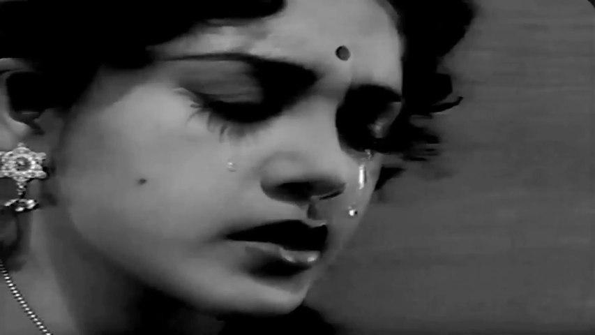 Dil Ka Khilona Hai Toot Gaya - Lata Mangeshkar Hit Song