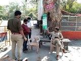 सीतापुर: लॉक डाउन के चलते शहर के मुख्य प्रवेश द्वार पर तैनात हुई पुलिस