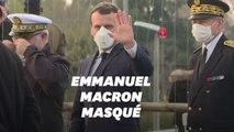 À Mulhouse, Macron entame sa visite... en enfilant un masque