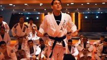 Mendes - Passing the guard standing -  Grips Fighting