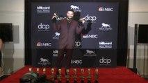Drake supplie Rihanna de sortir son album