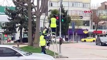 Trafik ışıklarında 'Evde kal' uyarısı