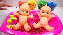 Learn colors Twin Baby Doll Bath Time Eat Colors MandMs Chocolate Nursery Rhymes Kid songs