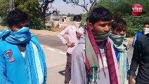 लॉक डाउन : बाड़मेर से पैदल चलकर तखतगढ़ पहुंचे आदिवासी मजदूर, पालिका ने खाना खिलाकर किया रवाना