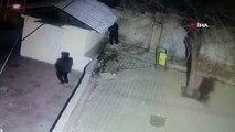 Kablo hırsızları önce kameraya sonra polise yakalandı