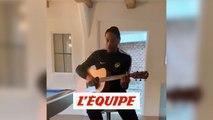 Guillaume Hoarau chante pour le confinement - Foot - WTF - Coronavirus