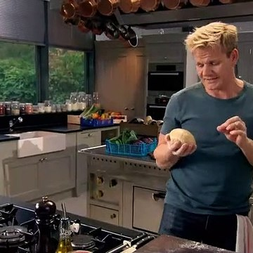 Gordon Ramsays Ultimate Cookery Course S01E12 - Better Baking