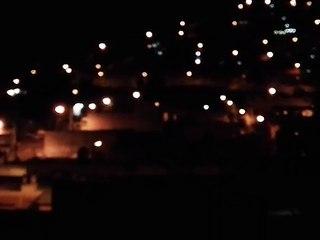 Vecinos de zona 18 suben a sus terrazas, oran y entonan el himno nacional