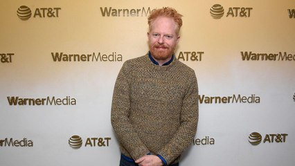 Jesse Tyler Ferguson Has Kept in Touch with His 'Modern Family' Castmates During Self-Isolation
