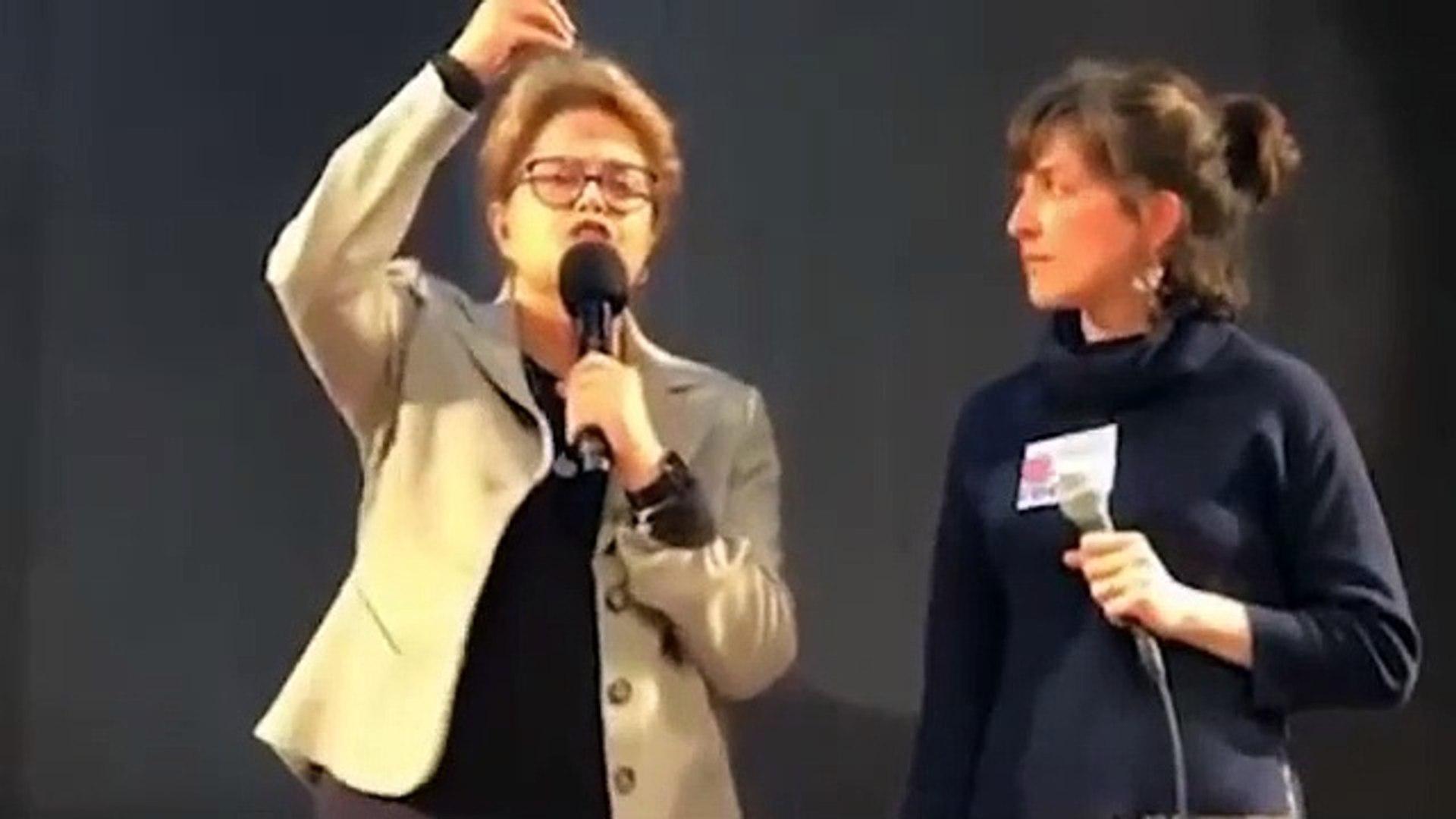 Dilma voltou. Agora na França.