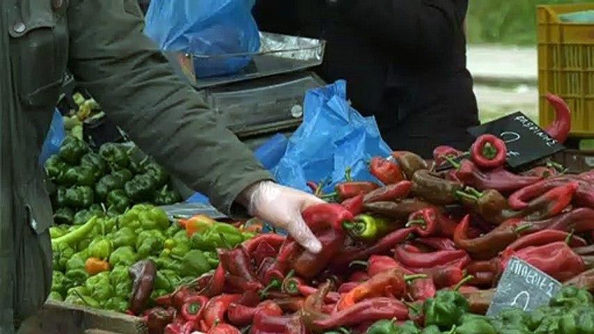 Κατακόρυφη μείωση στη λαϊκή αγορά της Θήβας