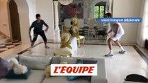 Djokovic remplace sa raquette par une poêle - Tennis - WTF