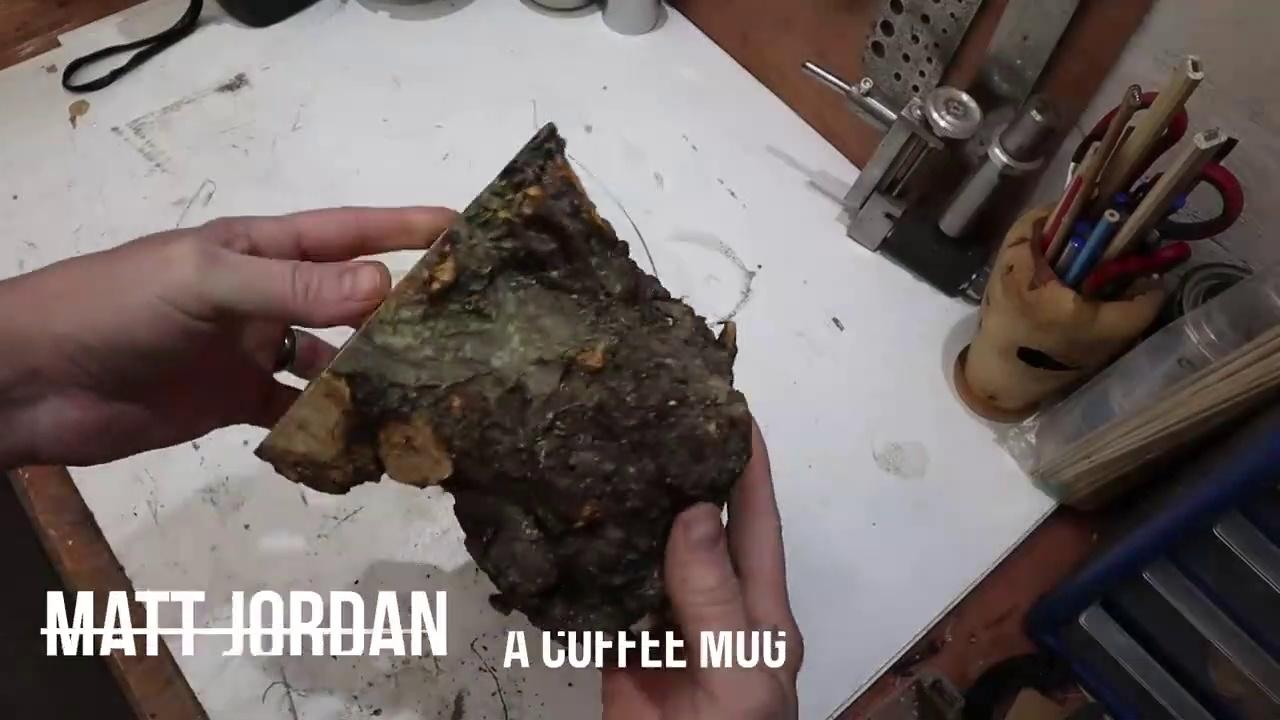 Woodturning – A Coffee Mug      (Tournage sur bois – une tasse à café)