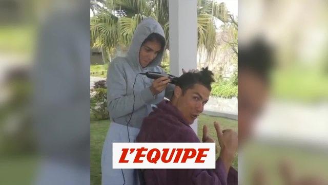 Cristiano se fait couper les cheveux - Foot - WTF