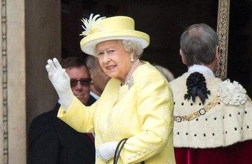 Queen Elizabeth praises Brits' 'good-humoured resolve' amid pandemic