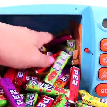 Kids Toy Videos US - Aprende los Colores con Carros de Juguete y Caramelo