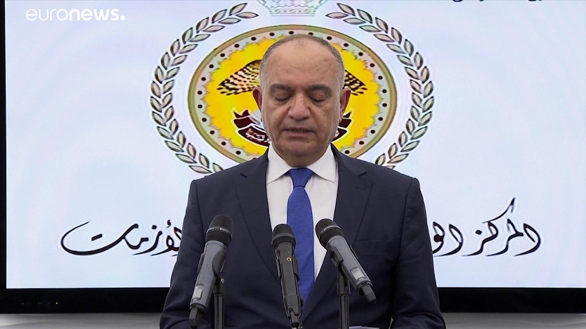 شاهد: الملك عبدالله في زيارة لتفقد مخزون الأردن من المعدات الطبية