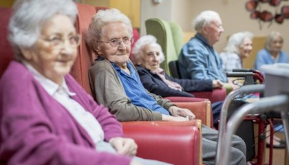 كبار السنّ في زمن كورونا: مشاهد مؤثرة، مفرحة ومبكية