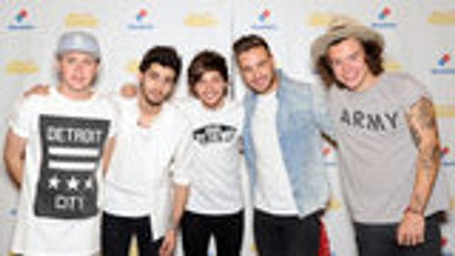 One Direction Account Follows Zayn Malik on Twitter & Directioners Are Not OK | Billboard News