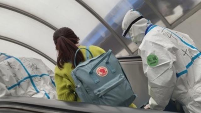 Salir de Wuhan hacia Pekín: una carrera de obstáculos contra el coronavirus