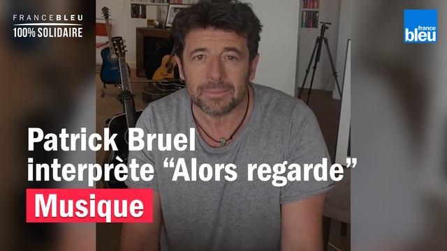 "Patrick Bruel interprète son tube ""Alors regarde"" dans son salon"