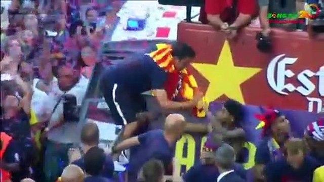 Quand Xavi a failli gifler Neymar lors de la parade du FC Barcelone