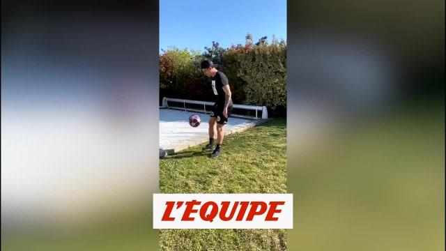 Baptiste Santamaria en pleine maîtrise - Foot - WTF