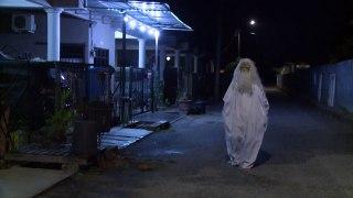 """En Malasia ronda un """"fantasma"""" contra el coronavirus"""