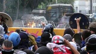 En Chile lamentan y celebran la