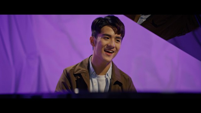 Oscar Tao - Ri Chu Cai Hong