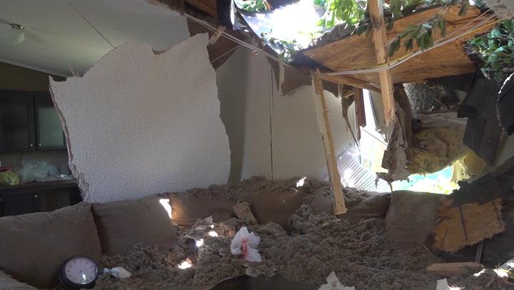 Family survives EF3 tornado in garden tub