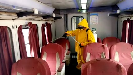 السكة الحديد تواصل تعقيم القطارات والمحطات لمواجهة فيروس كورونا