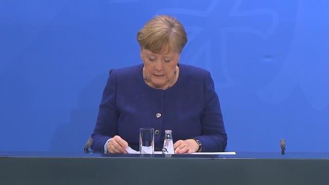 Coronavirus - Selon Merkel, Macron ne lui a pas demandé d'annuler la saison de Bundesliga