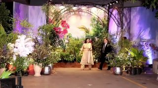 Rishi Kapoor With Neetu Singh Blesses Sonam Kapoor Anand Ahuja Best Video From Wedding Reception