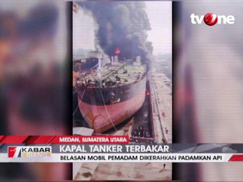 Kapal Tanker Terbakar di Pelabuhan Belawan