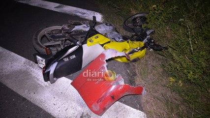 Idoso morre ao colidir moto com caminhão na BR 230 em Cajazeiras