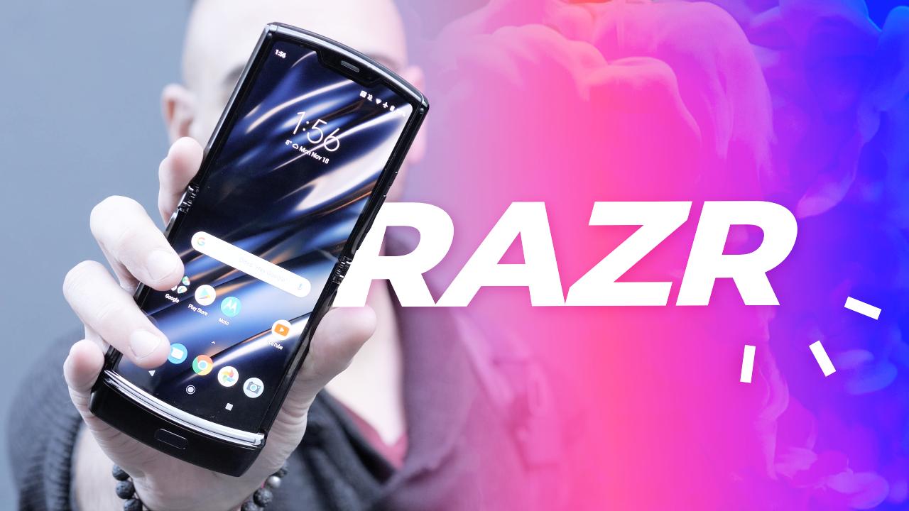 Motorola RAZR 2019 : le VRAI smartphone pliable ! (prise en main)