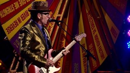 Elvis Costello - Earthbound