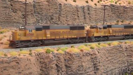 Trains de marchandises - Probablement les plus longs trains miniatures - Maquettisme, modélisme et chemin de fer de Pilentum Télévision