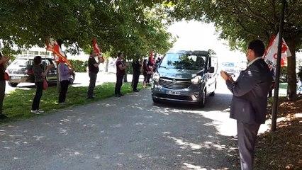 Arrivée du convoi funéraire de Michel Ricoud au cimetière des Ifs, à Saran le 20 mai 2020