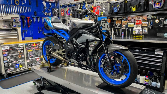 Triumph Street Triple R: Anatomy Of A Stunt Motorcycle | MC Garage