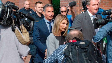 Lori Loughlin Plans to Plead Guilty in the Admissions Scandal