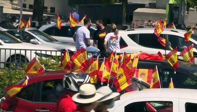 """Abascal desafía a """"los comunistas de coletas largas"""" en la caravana por la libertad: """"España prevalecerá"""""""